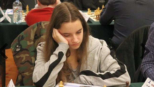 Надя Тончева оглавява световната ранглиста по шах сред момичетата до