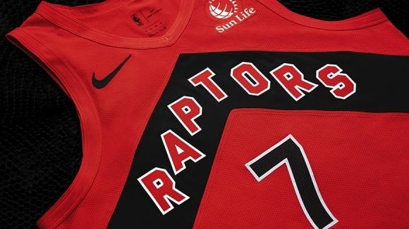 Канадският клуб Торонто Раптърс обмисля да играе домакинските си мачове
