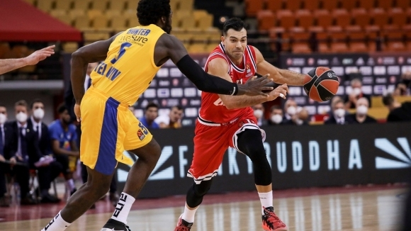 Плеймейкърът на Олимпиакос Костас Слукас даде интервю за авторитетния баскетболен