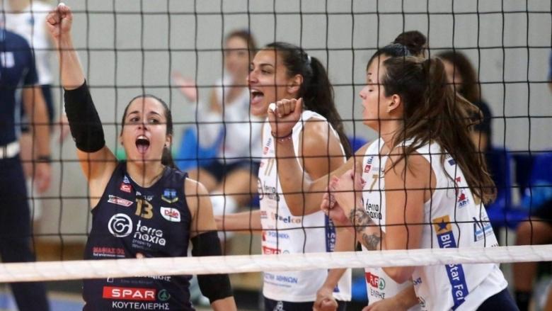 Българската волейболистка Симона Димитрова и тимът на Панаксиакос (Наксос) записаха