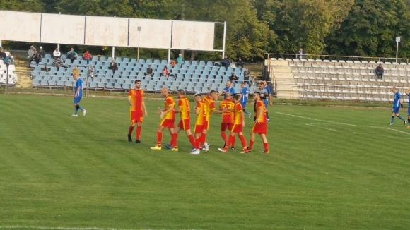 Футболистите на Черноломец (Попово) победиха с класическото 3:0 Тополи 2010