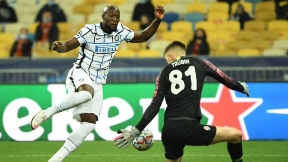 Интер започна с грешка участието си в Шампионската лига и