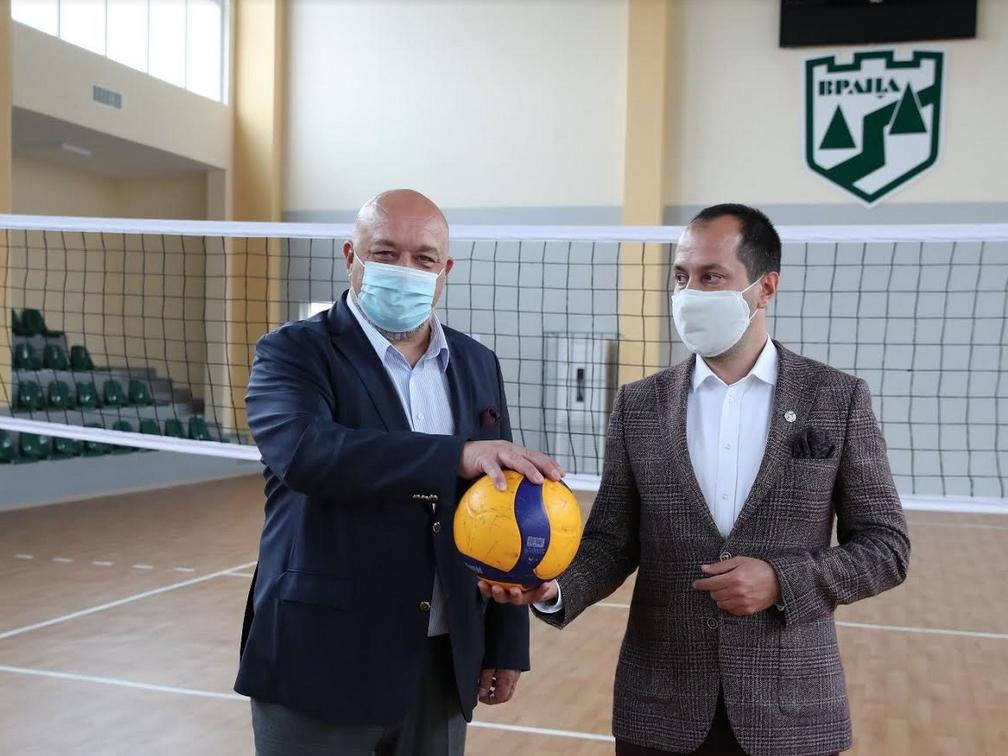 Министърът на младежта и спорта Красен Кралев и кметът на