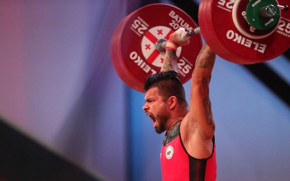 """Петият турнир по вдигане на тежести """"Милен Добрев"""" събра през"""