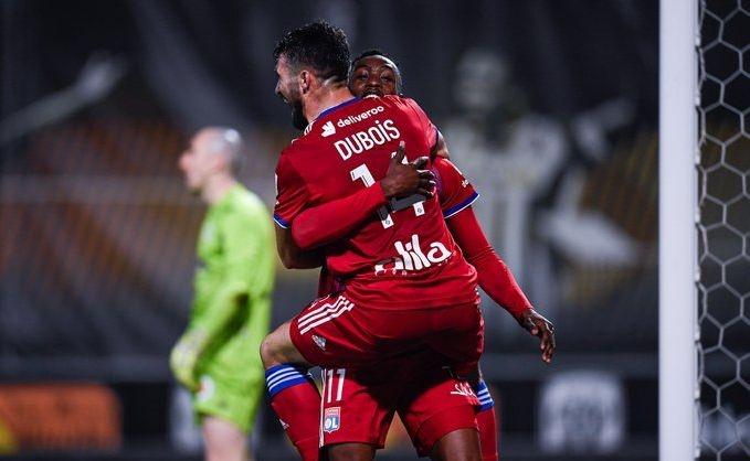 Лион победи като гост новака Анже с 1:0 в среща
