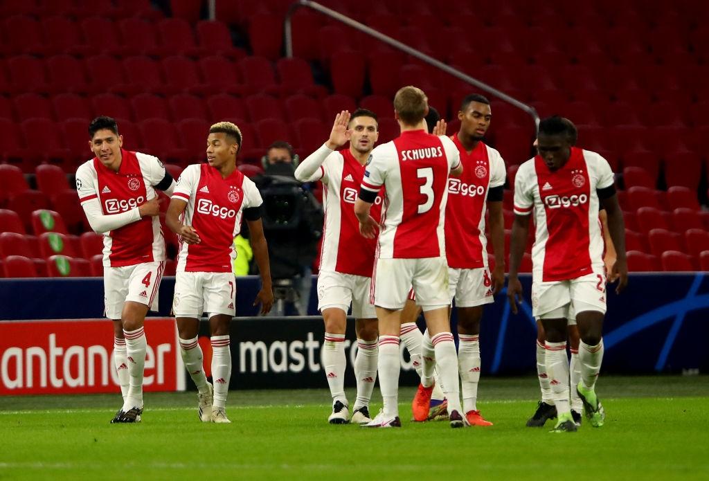 Аякс без особени проблеми победи аутсайдера Група D на Шампионката