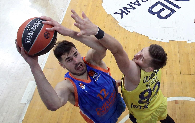 Валенсия постигна седма победа в Евролигата през този сезон. Испанският