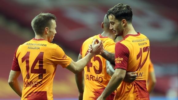 Галатасарай записа класическа победа над Хатайспор в домакинството си от