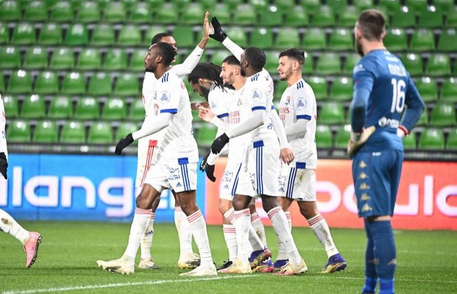 Отборът на Лион продължи добрата си серия във френската Лига