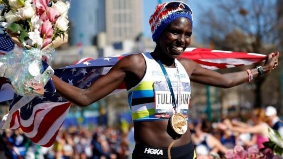 Алифин Тулямюк, която спечели олимпийските квалификации на САЩ в маратона