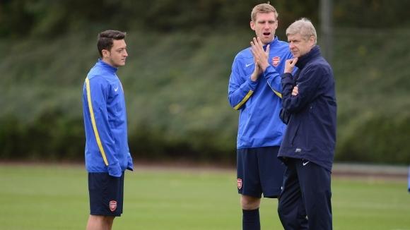 Бившият мениджър на Арсенал Арсен Венгер сподели, че с Месут