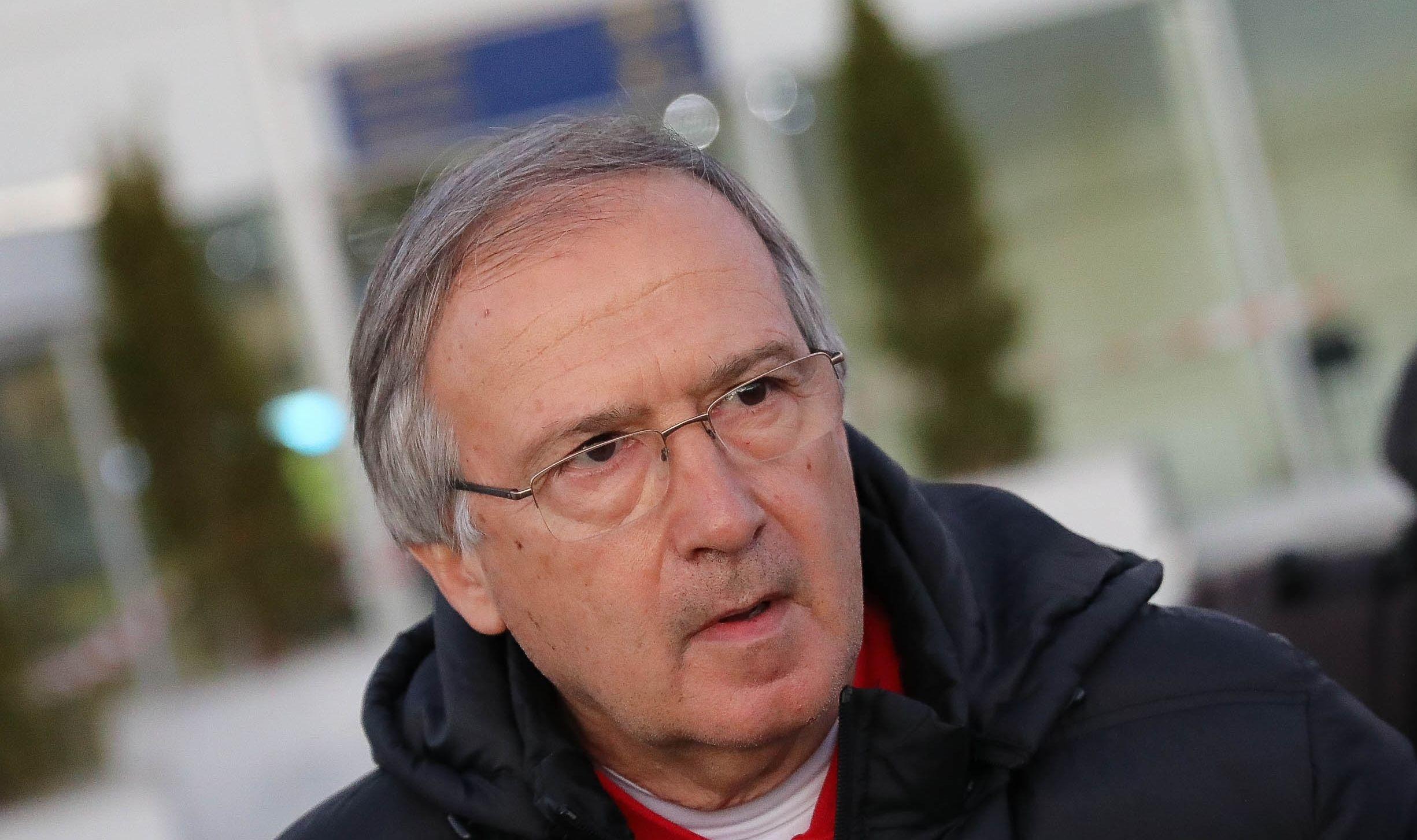 Вече бившият национален селекционер на България Георги Дерменджиев е гласувал