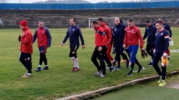 С 25 футболисти започна подготовка отборът на преди началото на