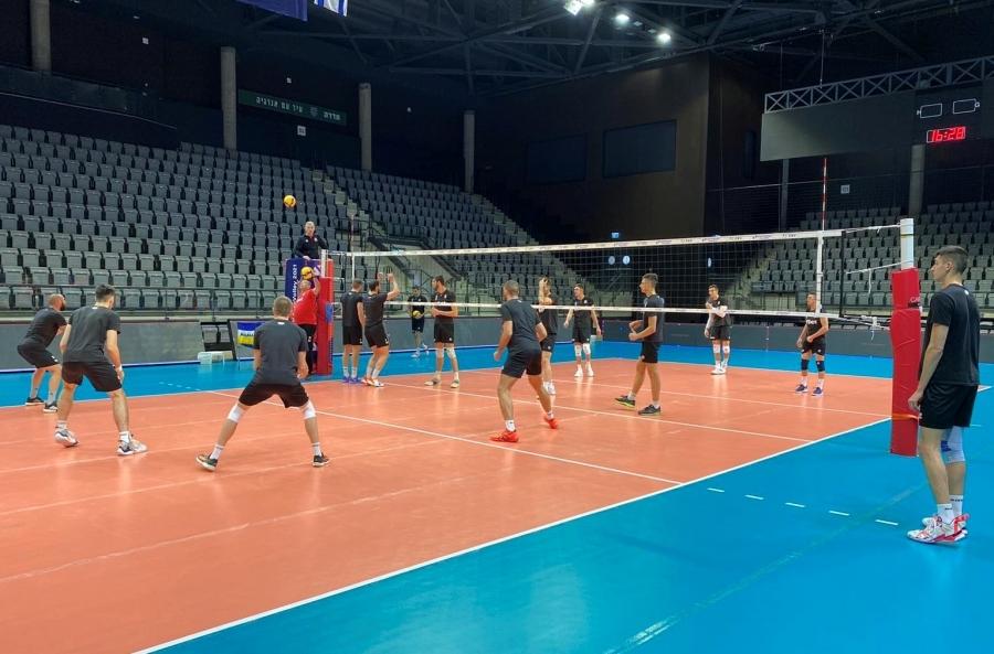 Българските национали по волейбол нямат право да се къпят в