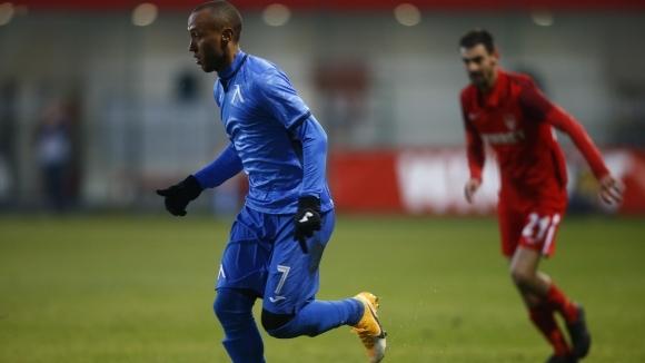 Престоят на бившия футболист на Левски Паулиньо в ОАЕ започна