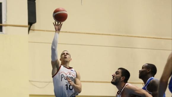 Академик (Пловдив) постигна втората си победа над Берое през настоящия