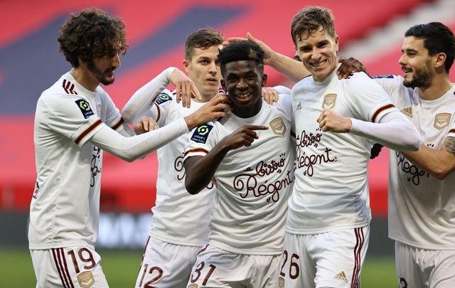 Бордо спечели с 3:0 гостуването си на Ница след три