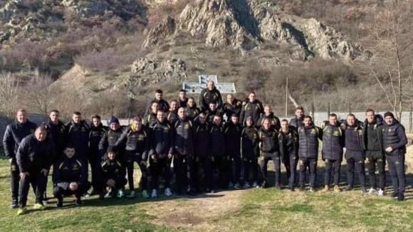 Футболистите на Миньор (Перник) получиха ден почивка и от наставника