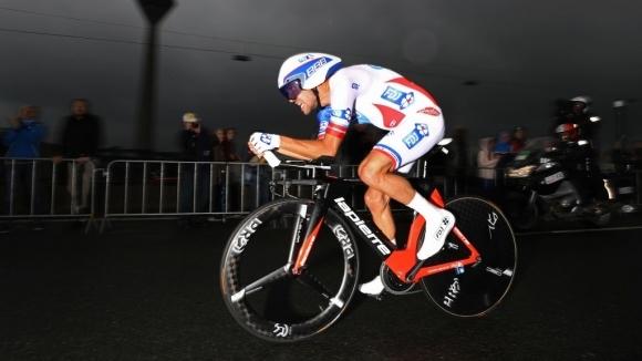 Френската звезда в колоезденето Тибо Пино няма да се състезава
