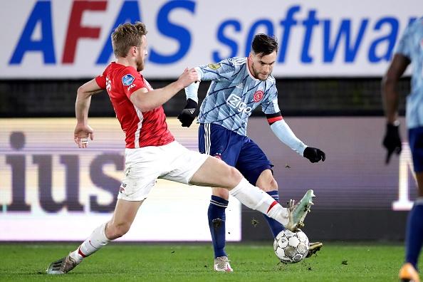 Аякс победи с 1:0 като гост АЗ Алкмаар в дербито