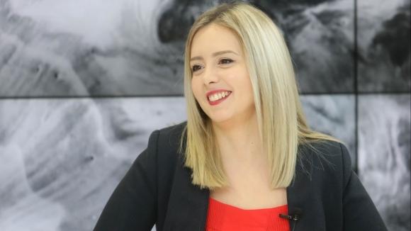 Единствената българка в световния снукър елит Десислава Божилова и президентът