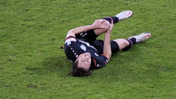 Полузащитникът на Байер Леверкузен получи сериозна контузия в коляното, която