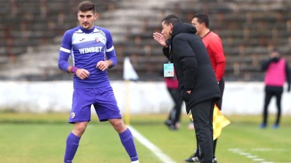 Треньорът на Етър Александър Томаш е отправил алжиреца Мурат Сатли,
