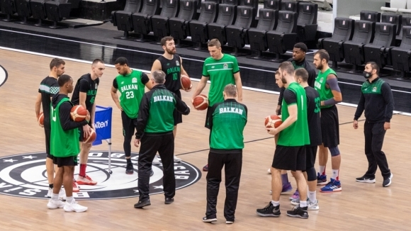 Отборът на Балкан (Ботевград) вече е в Истанбул, където се