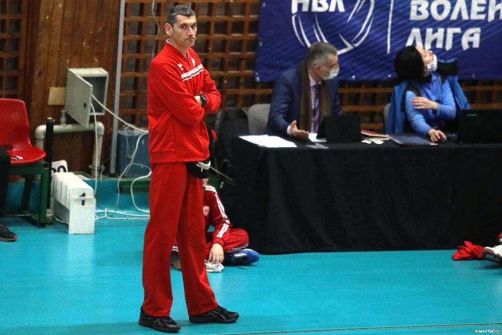 Наставникът на волейболния ЦСКА Александър Попов призна пред Sportal.bg и