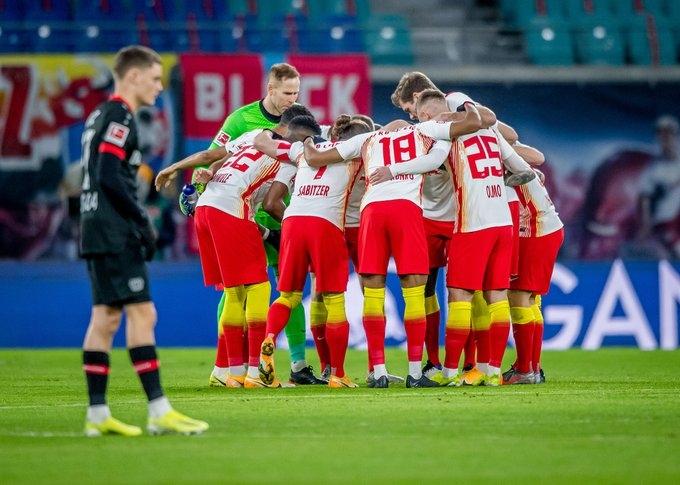 Двата мача от 1/8-финалната фаза на Шампионската лига между и