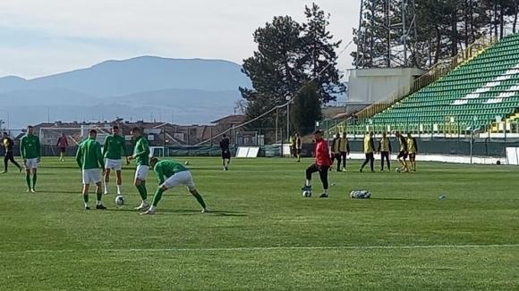 Пирин (Благоевград) записа равенство 0:0 срещу Миньор (Перник) в последната