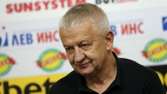 Собственикът на Локомотив (Пловдив) Христо Крушарски лично се е заел