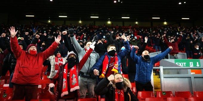 Феновете на футбола в Англия ще могат да се завърнат