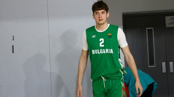 Капитанът на националния отбор Чавдар Костов винаги прави впечатление със