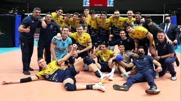 Италианският волейболен гранд Лео Шуус (Модена) направи сериозна крачка към