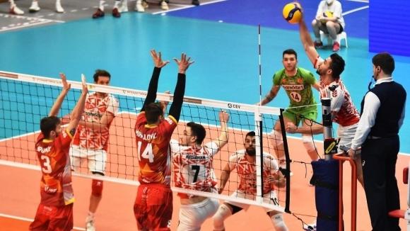 Волейболният национал Мартин Атанасов и неговият турски тим Зираатбанк загубиха