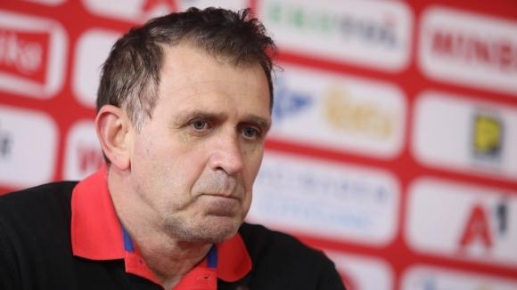 Старши треньорът на ЦСКА-София Бруно Акрапович говори преди дербито с