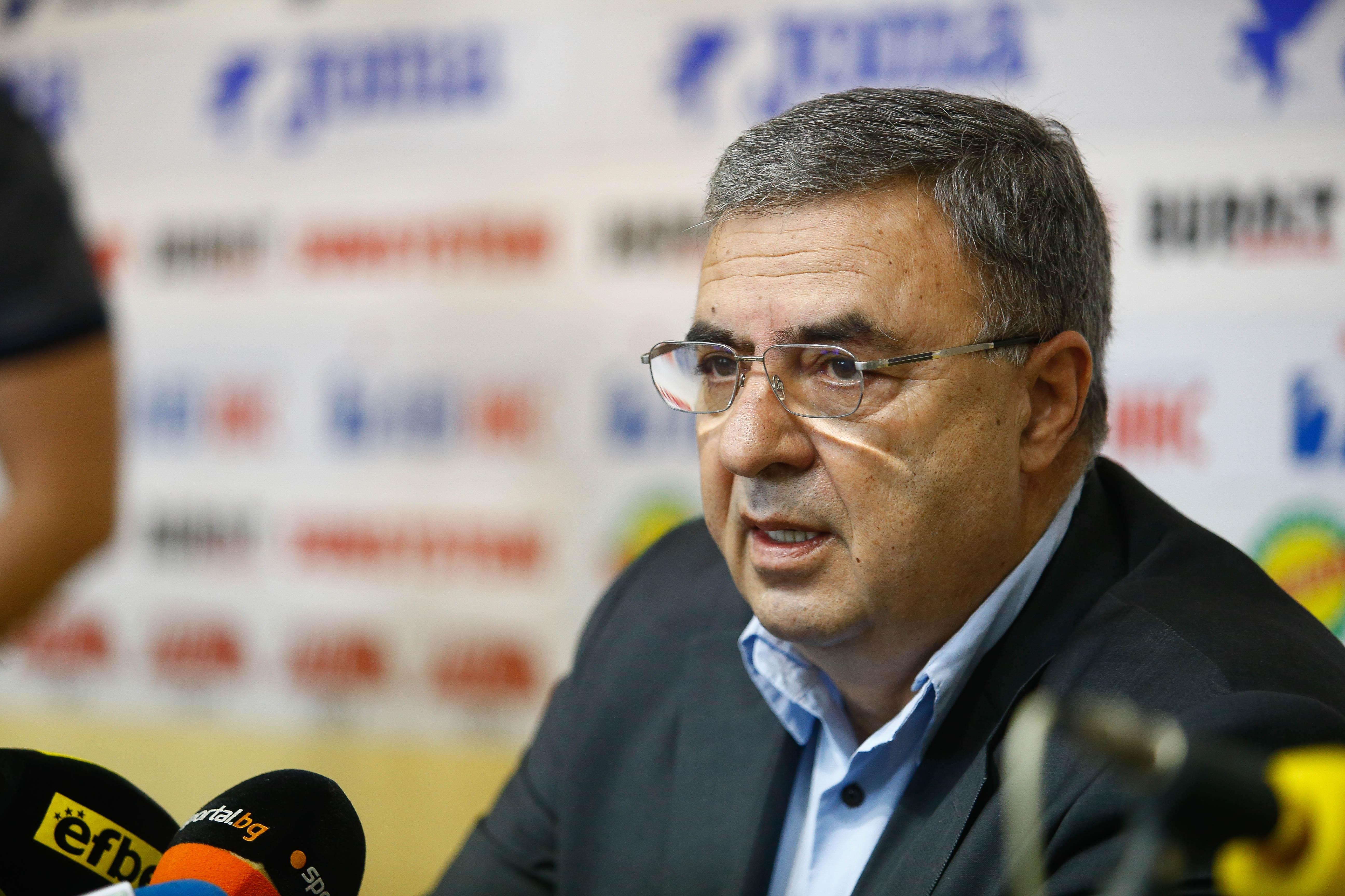 Президентът на Българската федерация по плувни спортове Георги Аврамчев заподозря