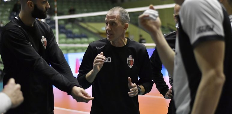 Старши треньорът на ПСК Локомотив Владимир Орлов ще поеме националния