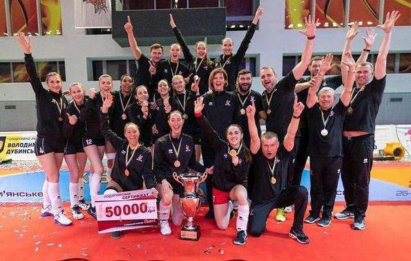 Селекционерът на женския национален отбор по волейбол Иван Петков и