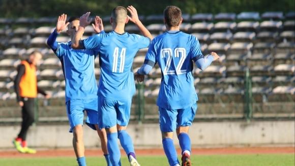 Локомотив (Мездра) и играят при резултат 0:0 в мач от
