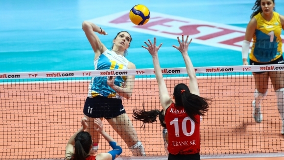Националката Христина Вучкова и тимът на ПТТ Спор (Анкара) записаха