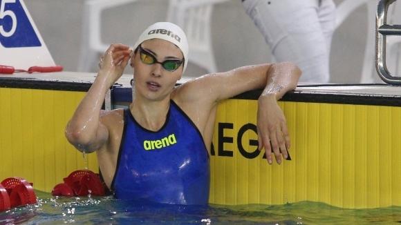 Националната рекордьорка на България в гърба Габриела Георгиева се свърза