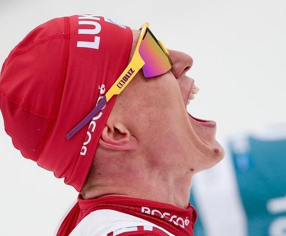 Световният шампион в скиатлона от Оберсдорф Александър Болшунов за пореден