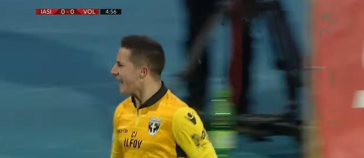 Антони Иванов вкара двата гола за победа на с 2:0