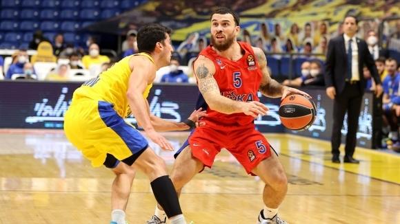 Изстрадан успех постигна баскетболният отбор на ЦСКА (Москва) при гостуването