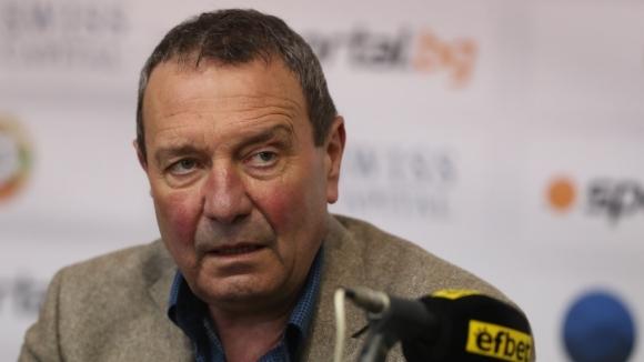Президентът на Аматьорската футболна лига Румян Вълков даде повече яснота