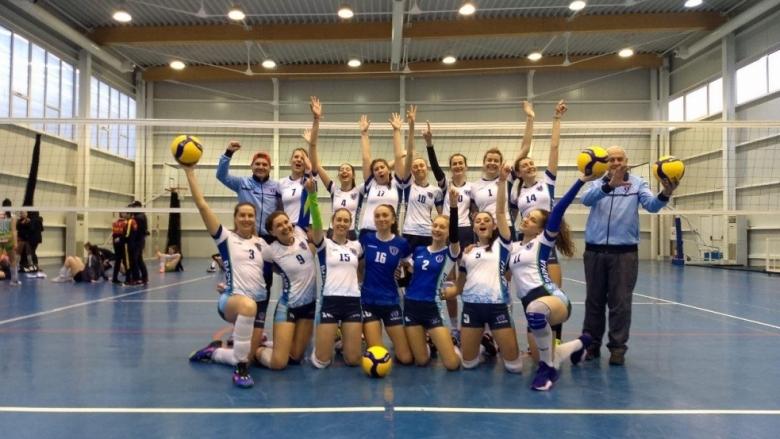 Волейболистките на ДКС (Варна) се завърнаха отново в четворката на