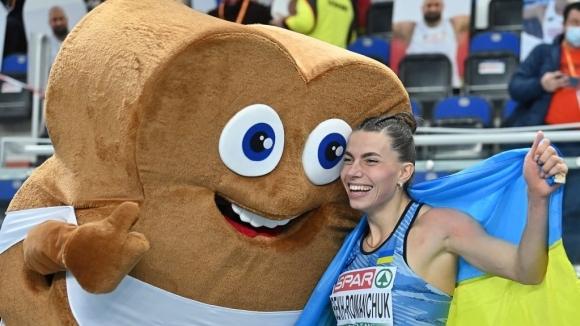 Снимка: Бек-Романчук нанесе кинжален удар на световната шампионка Михамбо за евротитлата в скока на дължина