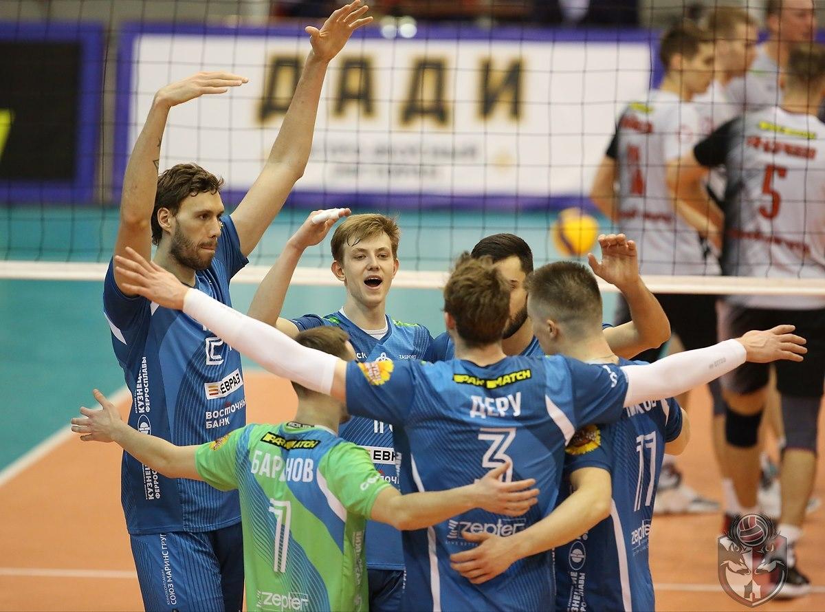 Отборът на Динамо (Москва), който предварително спечели редовния сезон в
